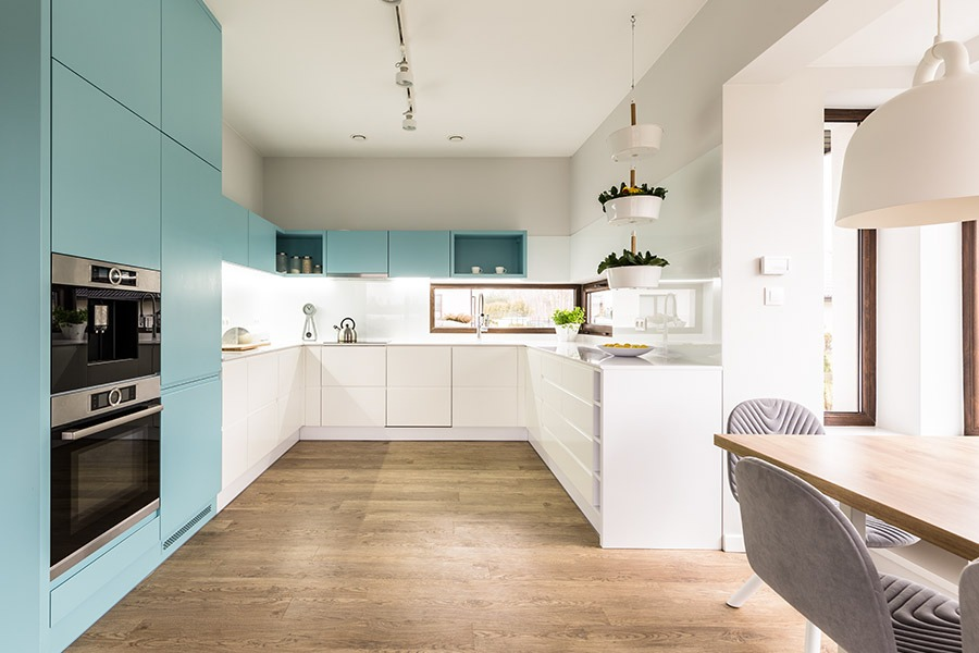 Modern, Spacious White Kitchen | Kitchen U