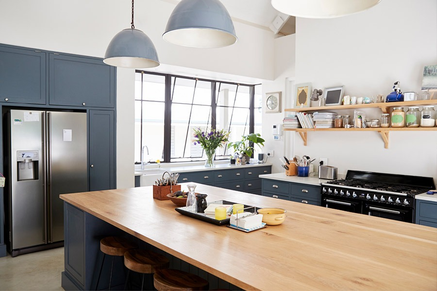 Kitchen with timber table | Kitchen U
