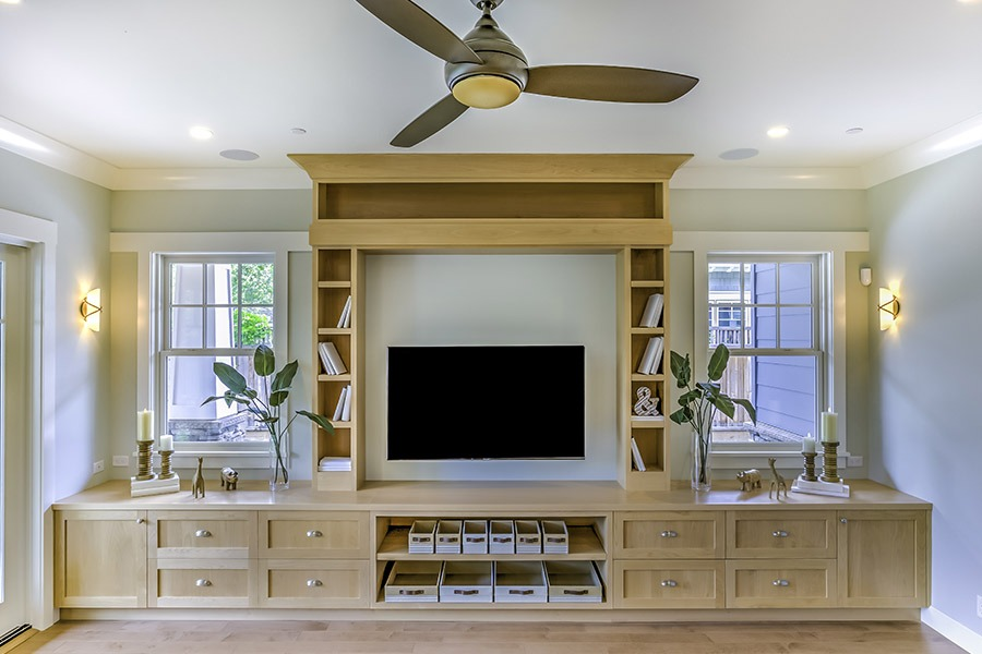 Built in entertainemtn unit in living room | Featured Image for Custom Entertainment Units